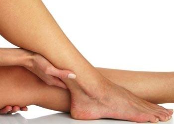 ritenzione idrica alle caviglie